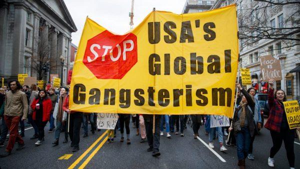 As sanções matam. O crime compensa